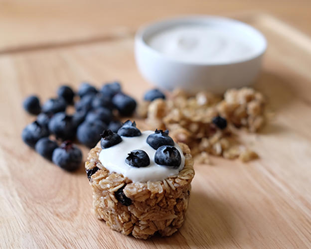 Blueberry Granola Yogurt Cups