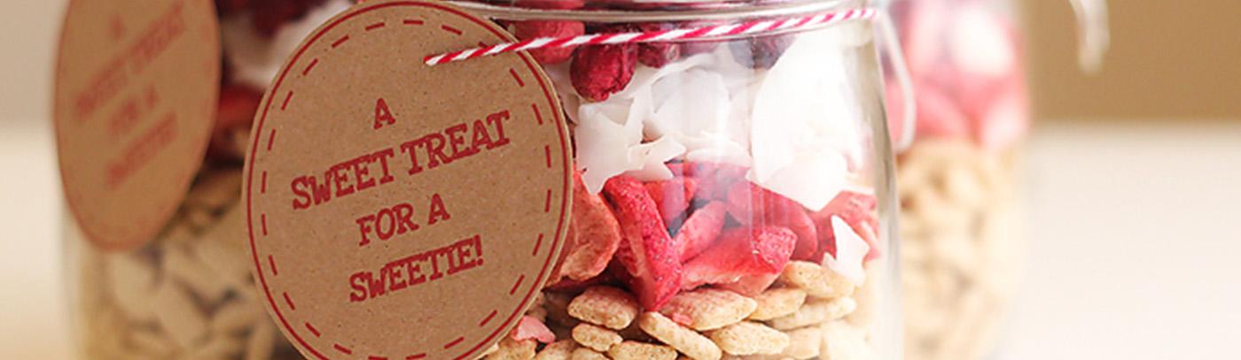 Gluten Free Valentine Snack Mix