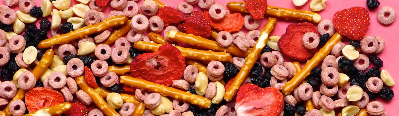 PB & Berry Blast Snack Mix