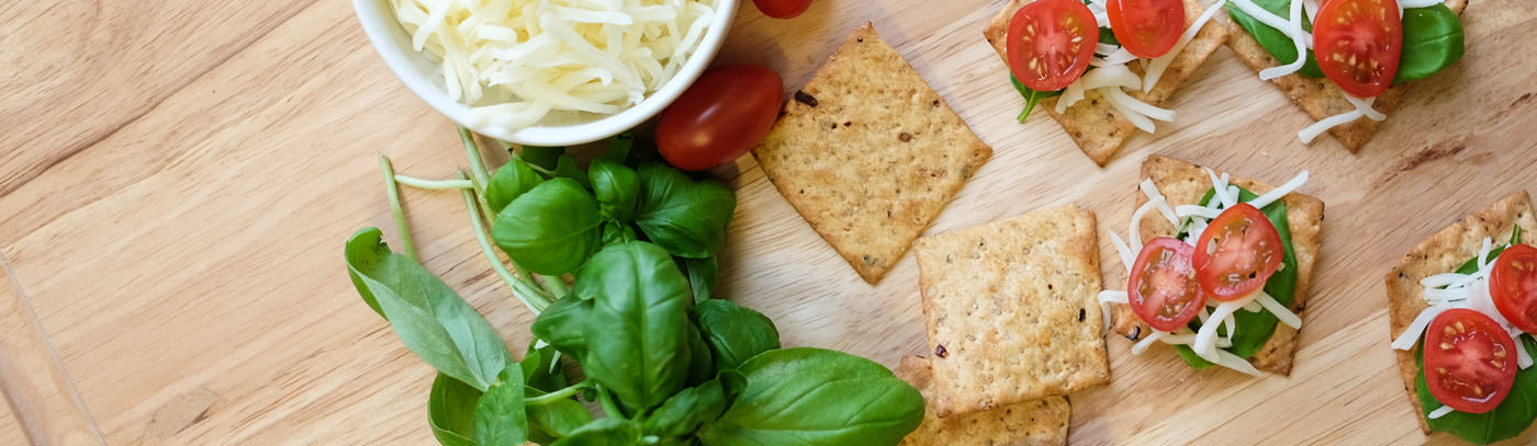 Tomato Basil Crackers